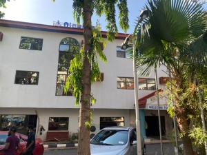 10 bedroom Hotel/Guest House Commercial Property for sale Wuse 1 Abuja
