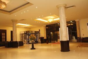 10 bedroom Commercial Property for sale MCC Road, Calabar  Calabar Cross River