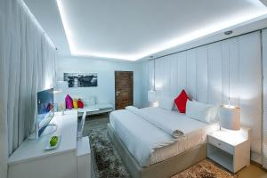 1 bedroom mini flat  House for shortlet - Ademola Adetokunbo Victoria Island Lagos