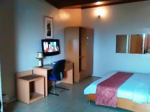 1 bedroom mini flat  Commercial Property for shortlet Presidential Boulevard Ibara Housing Estate Abeokuta Idi Aba Abeokuta Ogun