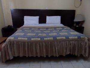 1 bedroom mini flat  Commercial Property for shortlet Alabe way Osolo way Isolo Lagos
