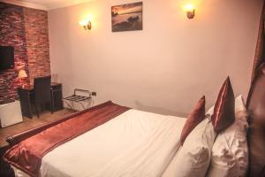 10 bedroom Commercial Property for shortlet Victoria Island Ademola Adetokunbo Victoria Island Lagos