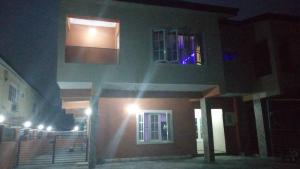 3 bedroom Flat / Apartment for sale After Abraham Adesanya Roundabout, Close To Lagos Business School Abraham adesanya estate Ajah Lagos