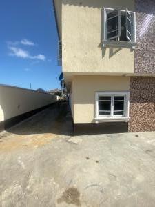 3 bedroom Flat / Apartment for rent University view estate  Ajah Lagos