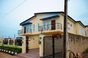 4 bedroom Semi Detached Duplex House for sale Forthright Estate, Punch Bus Stop Magboro Obafemi Owode Ogun