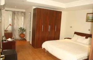 Hotel/Guest House for sale Airport Road Akure Ondo