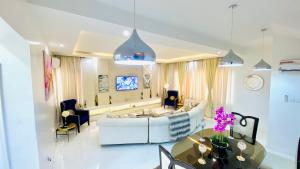 3 bedroom Mini flat Flat / Apartment for shortlet Muritala Eletu Way Jakande Lekki Lagos