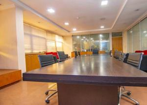 Office Space Commercial Property for sale 235 Igbosere road, Lapal House Onikan, Lagos Island Opposite Magistrate Court very close to MRS Filling Station Onikan Lagos Island Lagos