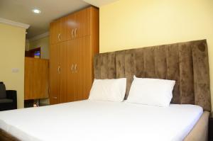 3 bedroom Penthouse for shortlet 8, Balarabe Musa Street 1004 Victoria Island Lagos
