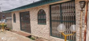 1 bedroom mini flat  Shop Commercial Property for rent @ off ring road Adeoyo Ibadan Oyo