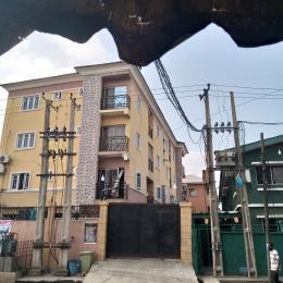 3 bedroom Mini flat Flat / Apartment for rent Ojuelegba Surulere Lagos