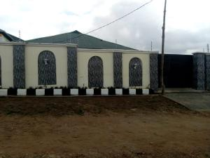 3 bedroom Semi Detached Bungalow House for rent Airport. Alakia Ibadan Oyo