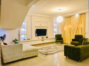 2 bedroom Self Contain Flat / Apartment for shortlet Lekki Phase 2 Lekki Lagos