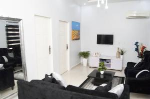 2 bedroom Self Contain Flat / Apartment for shortlet Lekki Phase 1 Lekki Lagos