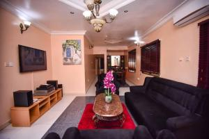 3 bedroom Self Contain Flat / Apartment for shortlet Lekki Phase 1 Lekki Lagos