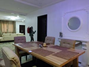 3 bedroom Self Contain Flat / Apartment for shortlet ... ONIRU Victoria Island Lagos