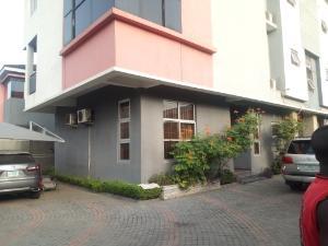 3 bedroom Flat / Apartment for rent off four point ONIRU Victoria Island Lagos