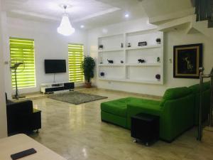 4 bedroom Terraced Duplex House for shortlet 8-9,Buckingham Court  chevron Lekki Lagos
