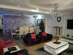 4 bedroom Self Contain Flat / Apartment for shortlet 1004 Victoria Island Lagos