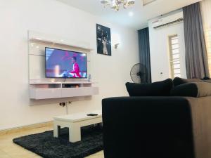 4 bedroom Terraced Duplex House for shortlet Orchid Road By Victoria Bay Estate Ikota Lekki Lagos