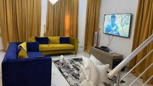 5 bedroom Detached Duplex House for shortlet Chevy View Estate chevron Lekki Lagos