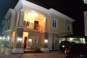 5 bedroom Terraced Duplex House for sale Cocaine estate rumuogba  Port-harcourt/Aba Expressway Port Harcourt Rivers