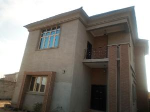 6 bedroom Flat / Apartment for sale Behind Romeo Gardens Ilasan Lekki Lagos