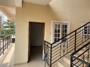 1 bedroom Self Contain for rent Palace Road ONIRU Victoria Island Lagos