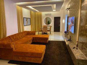2 bedroom Flat / Apartment for shortlet KAPLAN ESTATE,off freedom way Lekki Phase 1 Lekki Lagos
