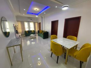 2 bedroom Flat / Apartment for shortlet Admiralty Lekki Phase 1 Lekki Lagos
