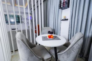 2 bedroom Flat / Apartment for shortlet Mabushi Abuja