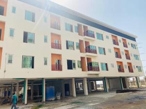 2 bedroom Blocks of Flats House for sale Lafiaji Street Via Orchid Road, Paradise Court Estate chevron Lekki Lagos