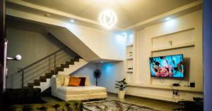 2 bedroom Terraced Duplex House for shortlet Lakeview park 2 Estate Lekki Lagos