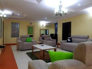 5 bedroom Flat / Apartment for shortlet - ONIRU Victoria Island Lagos