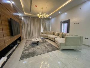 3 bedroom Flat / Apartment for shortlet Lekki right hand  Lekki Phase 1 Lekki Lagos