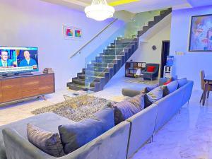 3 bedroom Flat / Apartment for shortlet chevron Lekki Lagos