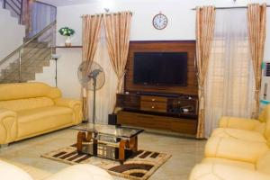 3 bedroom Detached Duplex House for shortlet Adebisi Oyenola Street Idado Estate Agungi Lekki Lagos