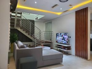 3 bedroom Semi Detached Duplex House for shortlet 19 Deji Akinso Street Oluyole Estate Ibadan Oyo