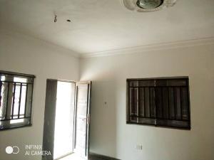 3 bedroom Flat / Apartment for rent Location: Igbo Agbowa Via Abuja Road, Off Ibeshe, Ikorodu Ibeshe Ikorodu Lagos