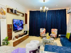 3 bedroom Self Contain Flat / Apartment for shortlet - Osapa london Lekki Lagos