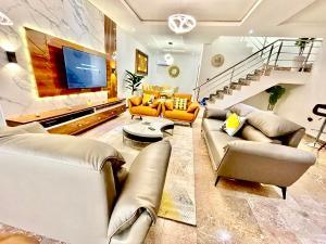 3 bedroom Detached Duplex House for shortlet Gerard Court Gerard road Ikoyi Lagos