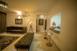 3 bedroom Flat / Apartment for shortlet Cadogan estate, lagos  Osapa london Lekki Lagos