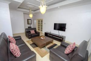 4 bedroom Flat / Apartment for shortlet Allen Avenue Ikeja Lagos