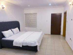 4 bedroom Terraced Duplex for shortlet Victoria Island Lagos
