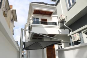 4 bedroom Semi Detached Duplex House for sale 2nd tollgate Lekki Phase 2 Lekki Lagos