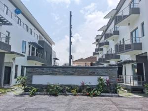 4 bedroom Terraced Duplex House for sale - Ligali Ayorinde Victoria Island Lagos
