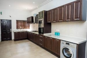 4 bedroom House for sale Behind World Oil, Ikate Elegushi Ilasan Lekki Lagos