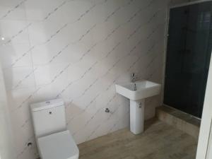 4 bedroom Flat / Apartment for sale Alternative route chevron Lekki Lagos