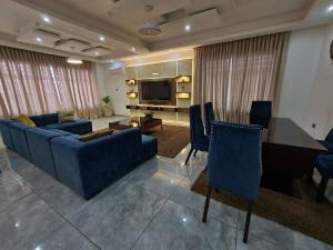5 bedroom Semi Detached Duplex House for shortlet Off Yusuf Abiodun way ONIRU Victoria Island Lagos