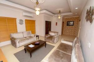 5 bedroom Flat / Apartment for shortlet Allen Avenue Ikeja Lagos